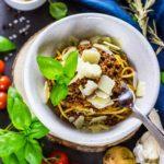 Kalorienarme Bolognese – einfach und schnell (Nur 15 Minuten Vorbereitung)