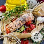Lachs mit Zucchini und Tomaten aus dem Ofen (Kalorienarm und einfach)