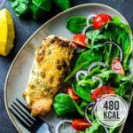 Saftiger Lachs überbacken mit Mayonnaise-Parmesankruste und frischen Käutern (für Ofen und Heißluftfritteuse)