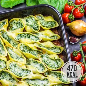 Gefüllte Muschelnudeln Conchiglioni mit Ricotta und Spinat Füllung. Lässt sich gut vorbereiten und schmeckt am nächsten Tag auch noch gut! Eine Portion (9 gefüllte Nudeln) haben 470 Kalorien. Kalorienarmes Mittagessen oder Abendessen. Gesundes und kalorienarmes Kochen. Schnelle und einfache Rezepte zum Abnehmen. - kaloriengeniessen.de #pasta #conchiglioni #gefülltenudeln #spinat #ricotta #kalorienarmerezepte #kaloriengeniessen #rezeptezumabnehmen
