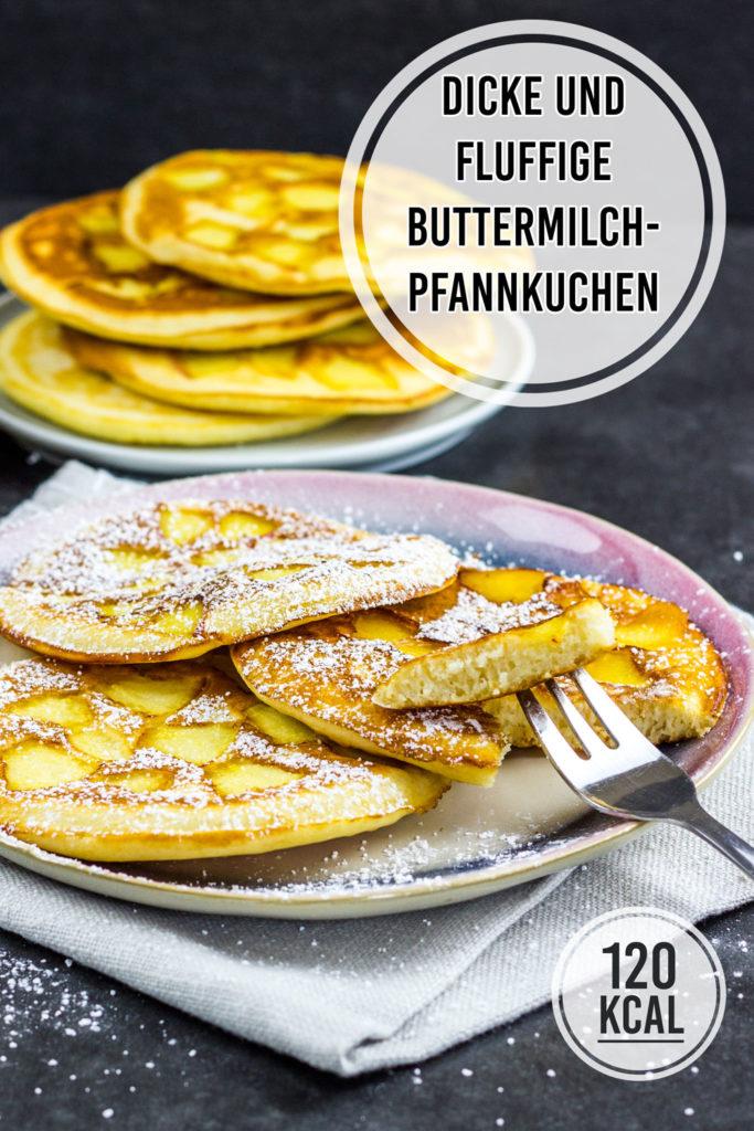 Die fluffigsten und dicksten Pfannkuchen, die ich jemals gemacht habe. Einfaches Rezept mit wenig Zutaten. Fettarm und gesund mit Buttermilch und Apfel. Ein Pfannkuchen hat 120 Kalorien. Perfekt zum Frühstück, als Mittagessen oder zum Nachmittagskaffee. Die kalorienarmen Pfannkuchen sind zum Einfrieren sehr gut geeignet: Einfach zwischen die einzelnen Pancakes Butterbrotpapier legen – so lassen sie sich auch einzeln entnehmen. Gesundes und kalorienarmes Kochen. Schnelle und einfache Rezepte zum Abnehmen. - kaloriengeniessen.de #pfannkuchen #pancakes #fluffig #grundrezept #machtsatt #dessert #mittagessen #frühstück #kalorienarm #gesund #kalorienarmerezepte #kaloriengeniessen #rezeptezumabnehmen